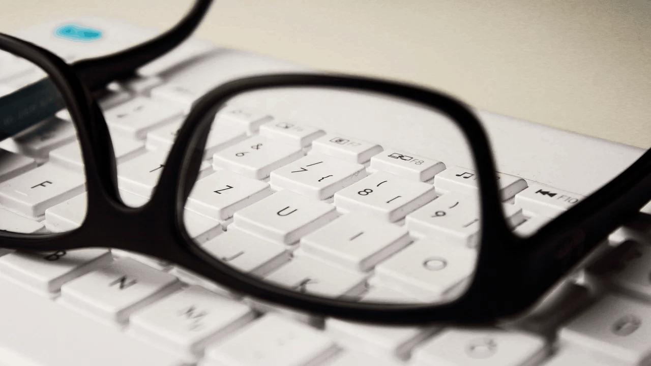 Ponowne świadczenie postojowe i sprawdzanie informacji w internecie