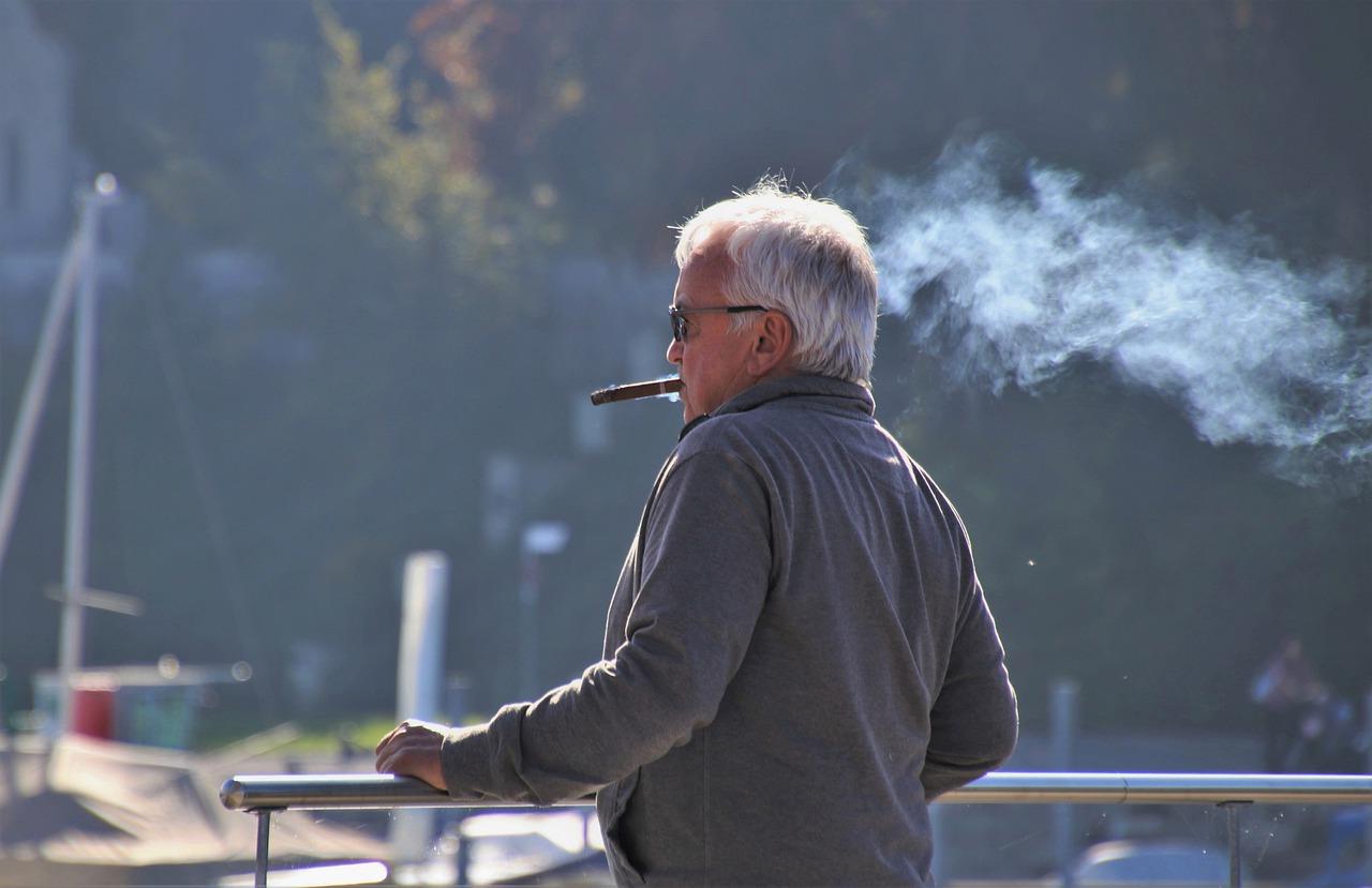 Emerytura wcześniejsza jak sama nazwa wskazuje to rodzaj świadczenia wypłacanego przed osiągnięciem wieku emerytalnego dla młodszych emerytów