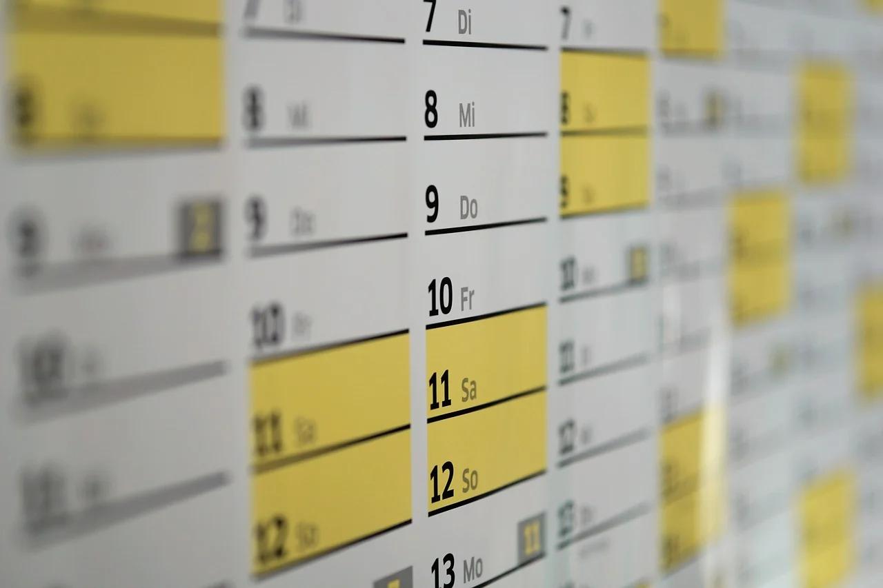 Ustawodawca wprowadził szereg zmian do ustawy systemowej, emerytalnej i zasiłkowej. Część z nich już obowiązuje – od 18 września, a kolejne wejdą w życie 1 stycznia i 1 kwietnia 2022 r. oraz 1 stycznia 2023 r.